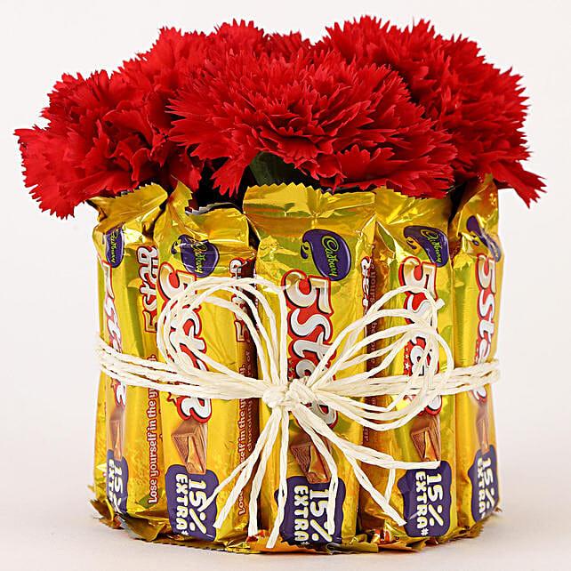 5 Star & Carnations Glass Arrangement: Gift Combos