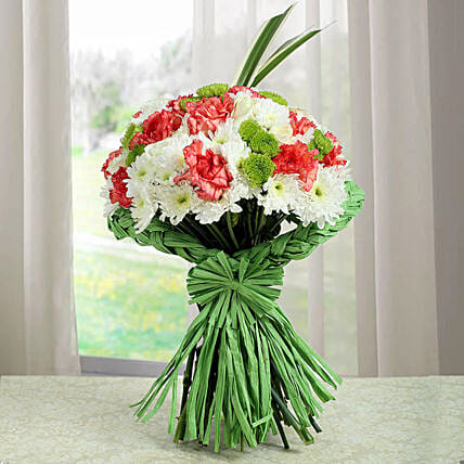 Artistic Bunch Of Carnations: Send Chrysanthemums