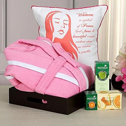 Beauty At Best: Send Womens Day Gift Hampers