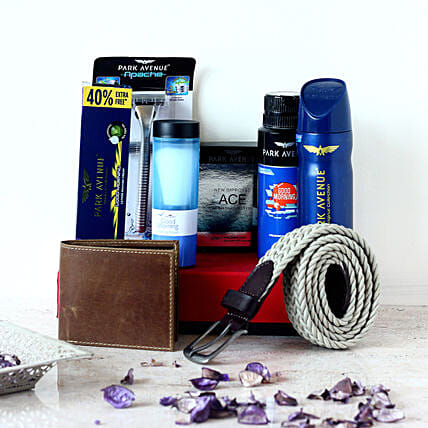 Belt & Wallet Park Avenue Gift Set For Men: Send Gift Hampers to Lucknow