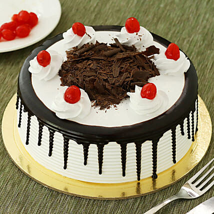 Black Forest Cake: Good Luck Gifts
