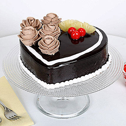 Chocolate Heart Cake: Send Designer Cakes to Mumbai