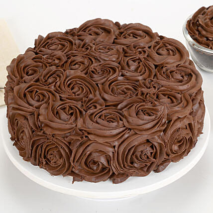 Chocolaty Rose Cake: Send Chocolate Cakes