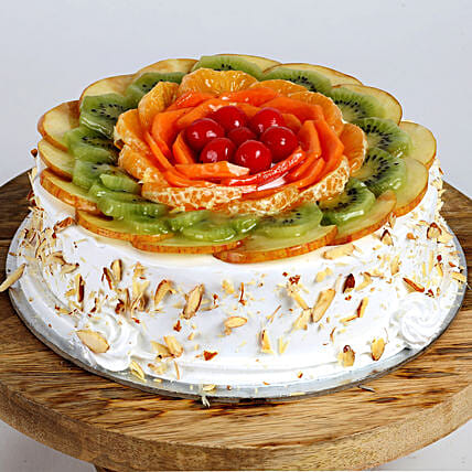 Creamy Vanilla Fruit Cake: Send Fresh Fruit Cakes