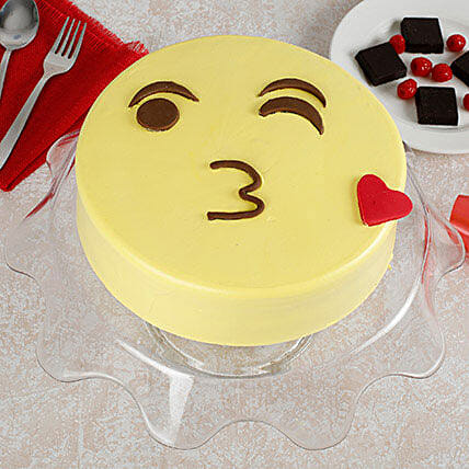 Cute Kiss Emoji Cream Cake: Fathers Day Designer Cakes