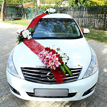 Elegant Car Decor: Car Flower Decoration