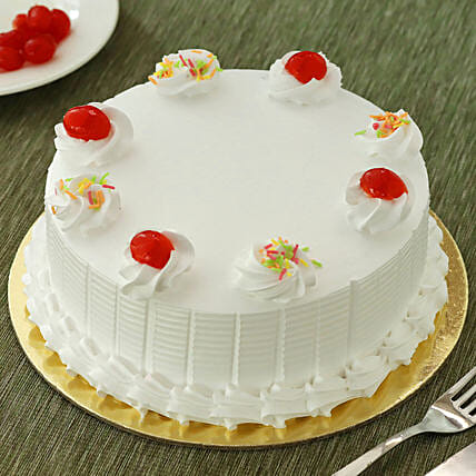 Fresh Vanilla Cake: Buy Eggless Cakes