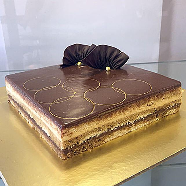 Joyful Opera Cake: Gifts for Hug Day