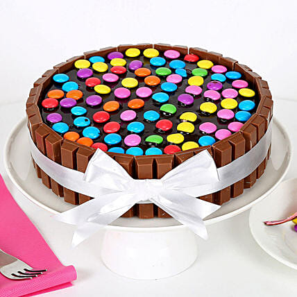 Kit Kat Cake: Send Designer Cakes to Mumbai