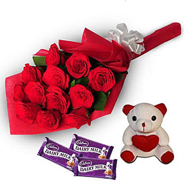 Loving Hug: Roses And Teddies