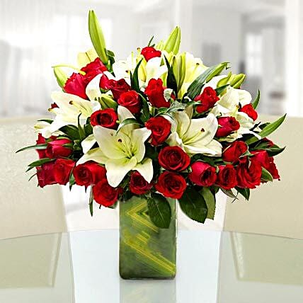 Majestic and Classic: Premium Flowers