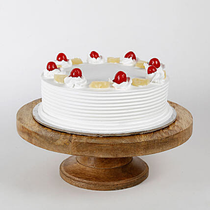 Pineapple Cake: Good Luck Gifts