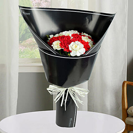 Red N White Carnations Bunch: