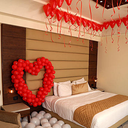 dc021274702 Romantic Balloon Decor  Send Gifts to Gurgaon