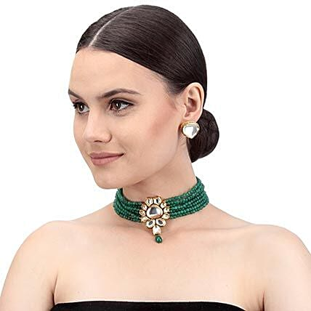 Swanky Green Kundan Necklace Set: Jewellery Gifts