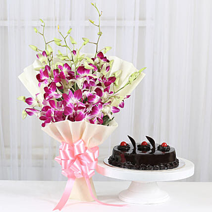 True Admiration: Flowers N Cakes - anniversary