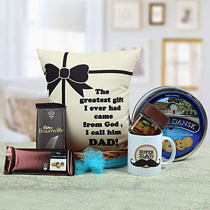 A Yummy Treat for Daddy: Send Gift Hampers