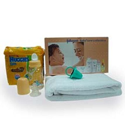Bundle of Happiness: Gift Hampers for New Born