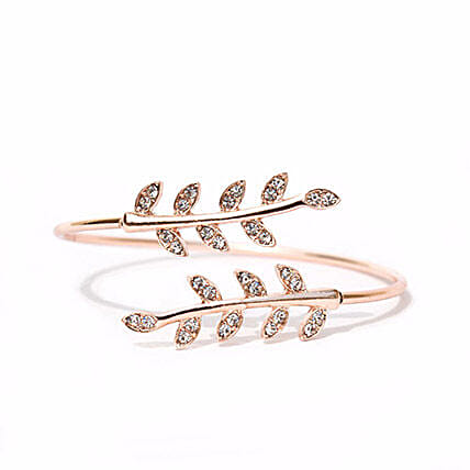 Grecian Leaves Gold Bracelet: Fashion Accessories