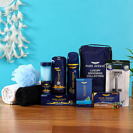Refreshingly Yours: Send Gift Hampers