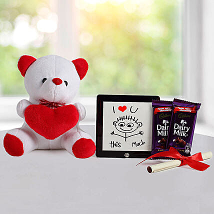 Cute Love Gift: Send Valentines Day Gift Hampers