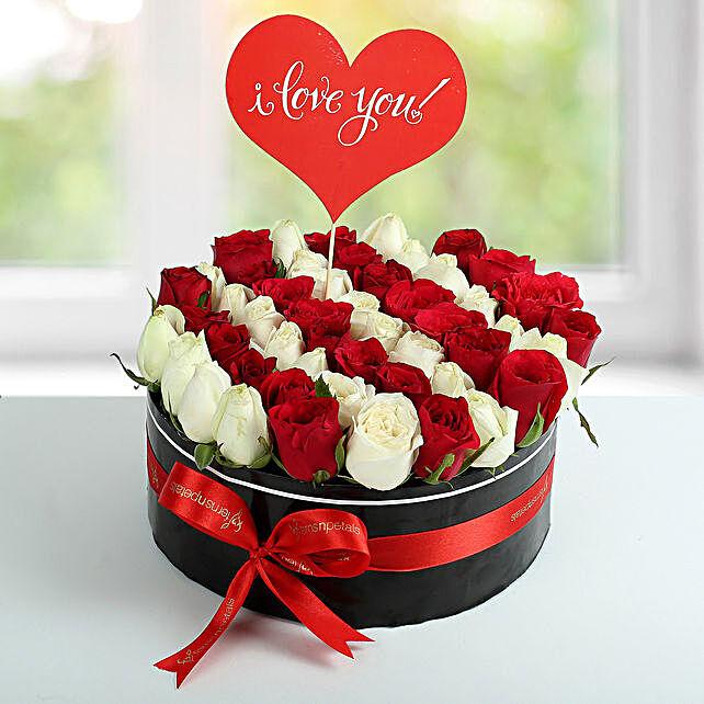 Scintillating Roses Arrangement: Roses for anniversary