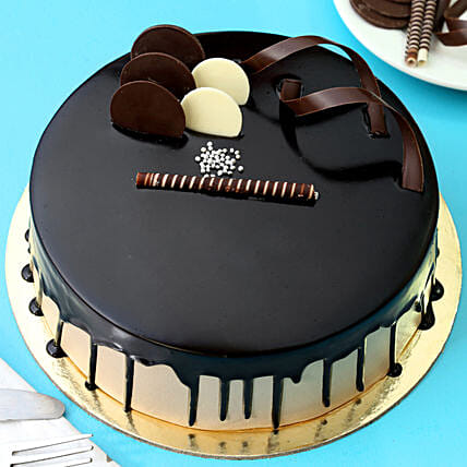 Chocolate Cream Cake: Cakes Delivery India
