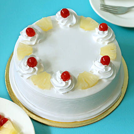 Pineapple Cake: New Year Cakes to Noida