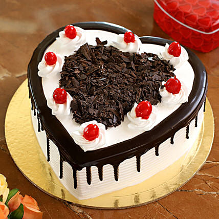 Flakey Hearts Black Forest Cake: Heart Shaped Cakes Kolkata
