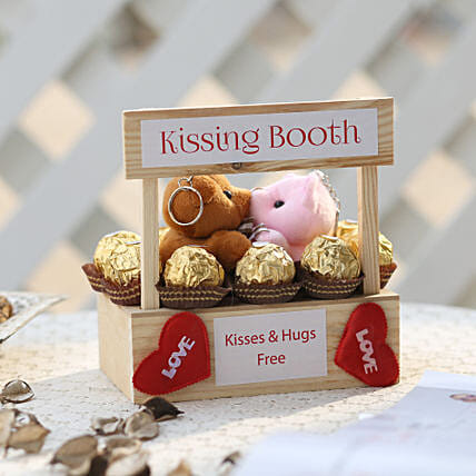 Wooden Kissing Booth & Ferrero Rocher Combo: Ferrero Rocher Chocolates