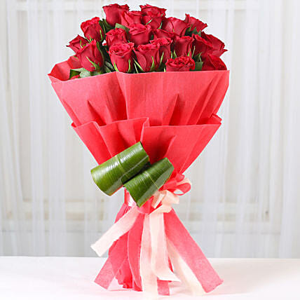 Romantic Red Roses Bouquet: Romantic Gifts for Wife