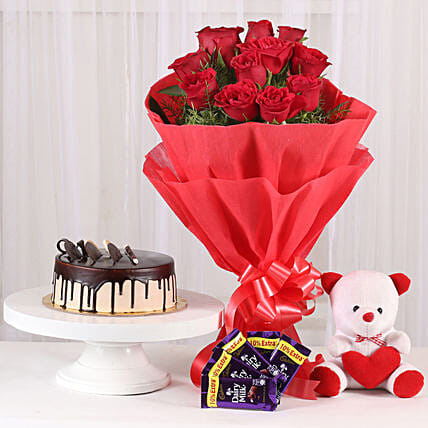Softy Roses Hamper: Send Cake with Teddy