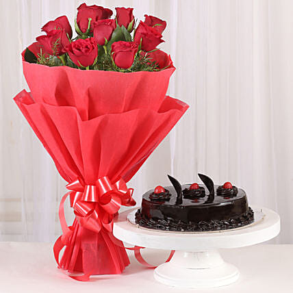 Red Roses with Cake: Romantic Gifts for Wife