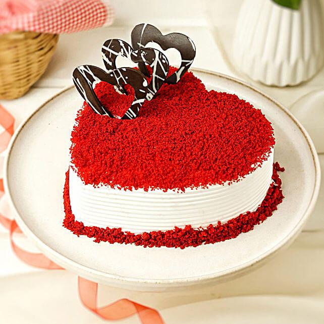 Red Velvet Heart Cake: Womens Day Gifts for Bhabhi