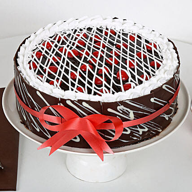 Chocolate Cherry Cake: Send Designer Cakes