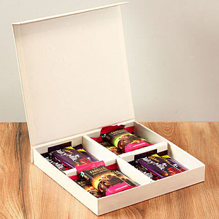 White FNP Box Of Chocolates: Chocolate Gifts in India