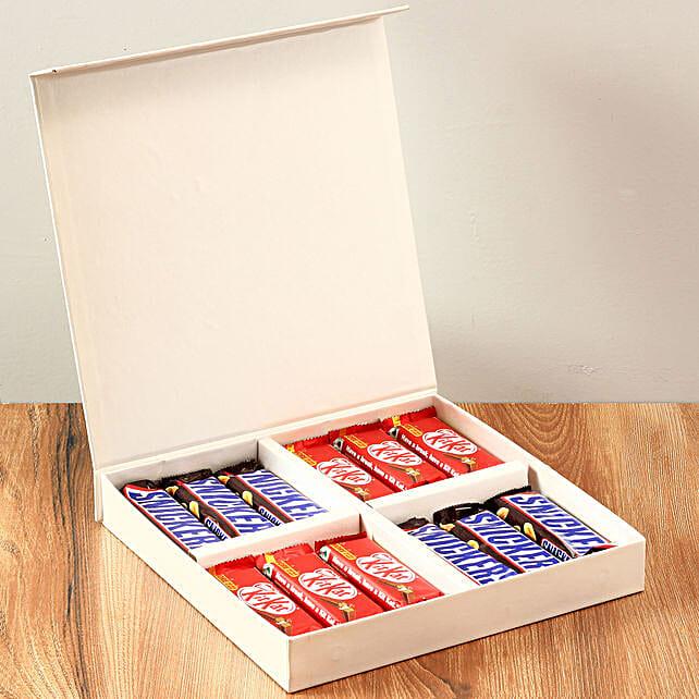White FNP Gift Box Of Chocolates: Chocolates Shopping India