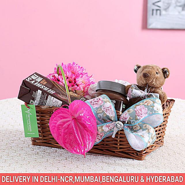 Pink Flowers & Hershey's Gift Basket: Gift Hampers