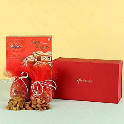 Soan Papdi & Dry Fruits Combo: Gift Ideas