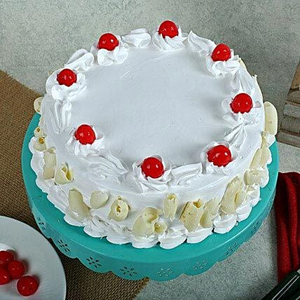 White Forest Cake: Gifts for Hug Day