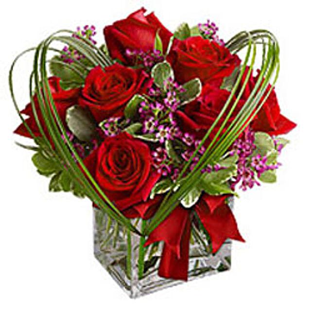 Online Valentine Day Gifts To Singapore Ferns N Petals