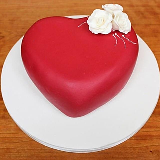 Blossoming Love Cake 3kg Vanilla