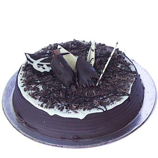 Chocolate Chip Cake Half kg Eggless