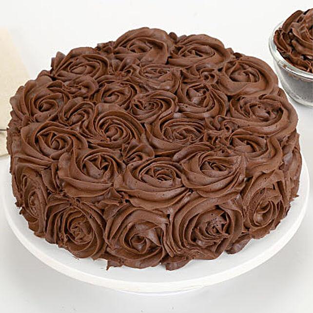 Chocolaty Rose Cake Half kg Eggless
