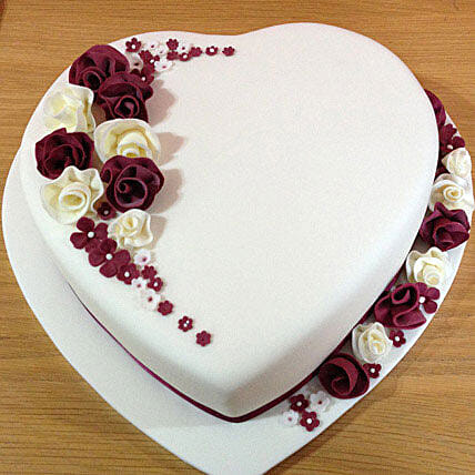 Divine Heart Cake 1kg Eggless Vanilla Gift Heart Shaped With