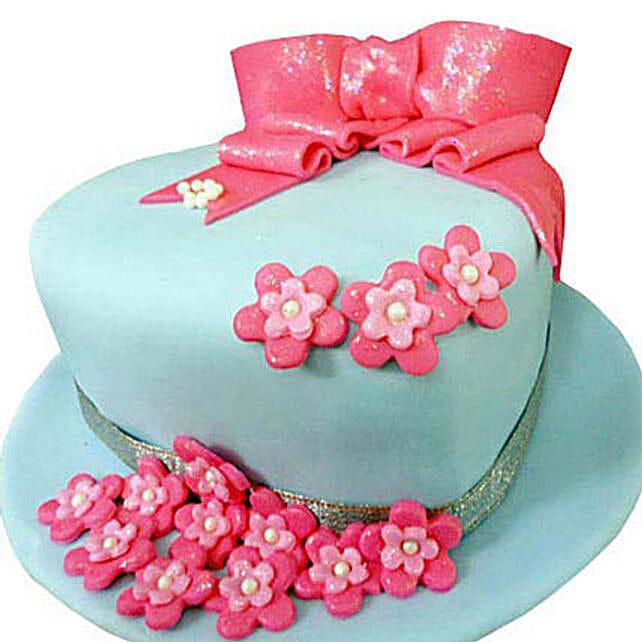 Fondant Hat Cake 4kg Vanilla Eggless