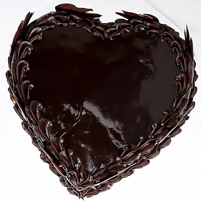 Heart Shape Truffle Cake 1Kg Eggless