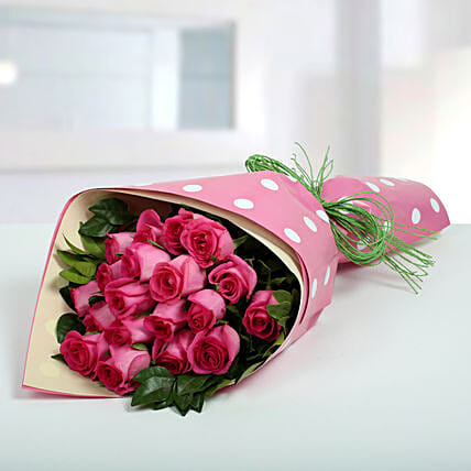 Pink Roses Bunch Of Happiness Gift Bouquet Of Pink Roses Ferns N